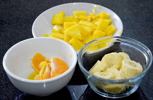 طرز تهیه سالاد میوه با ماست
