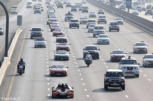 تصاویر رالی ماشین های لوکس در خیابان های دبی