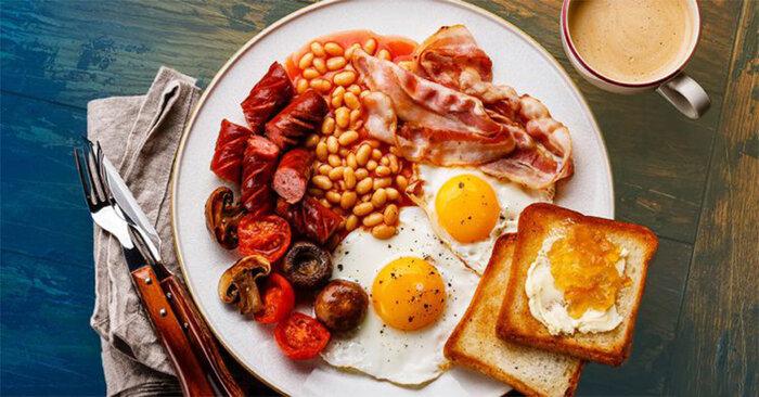 طرز تهیه بشقاب صبحانه انگلیسی