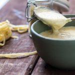 طرز تهیه سس بشامل – سس فرانسوی خوشمزه با کره و شیر