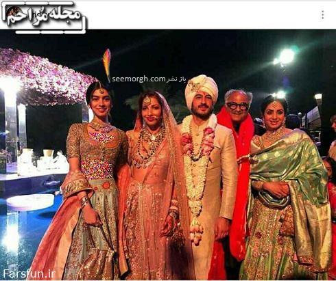 سری دیوی در مراسم عروسی در کنار خانواده اش